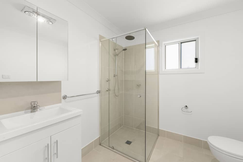 Granny Flat in Wallsend, Newcastle - Bathroom