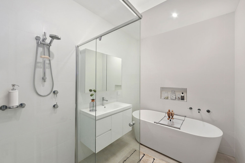 New-Build House and Granny Flat Combo in Umina Beach, Central Coast - Bathroom